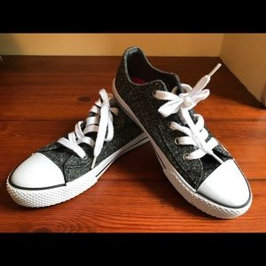 Glittery Airwalk Legacee Sneakers Youth Sz 2 1/2